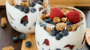 Breakfast Fruit & Yogurt Parfait